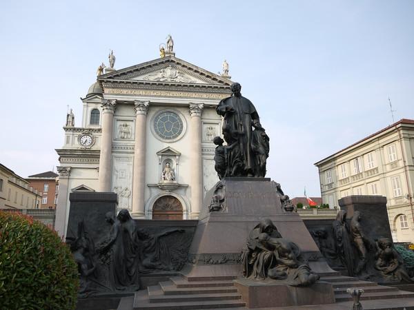 santuario maria ausiliatrice torino