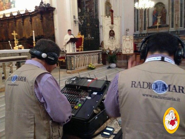 Collegamento radiofonico con Radio Maria