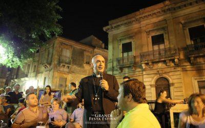 """Mons. Staglianò a Biancavilla cita Renato Zero: """"Gesù, non ti somigliamo più"""""""